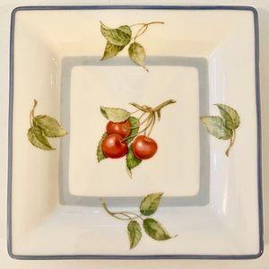 Villeroy & Boch Cottage Cherries Square Plate EUC